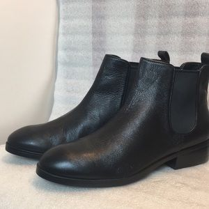 New Cole Haan ankle boots size 8,5